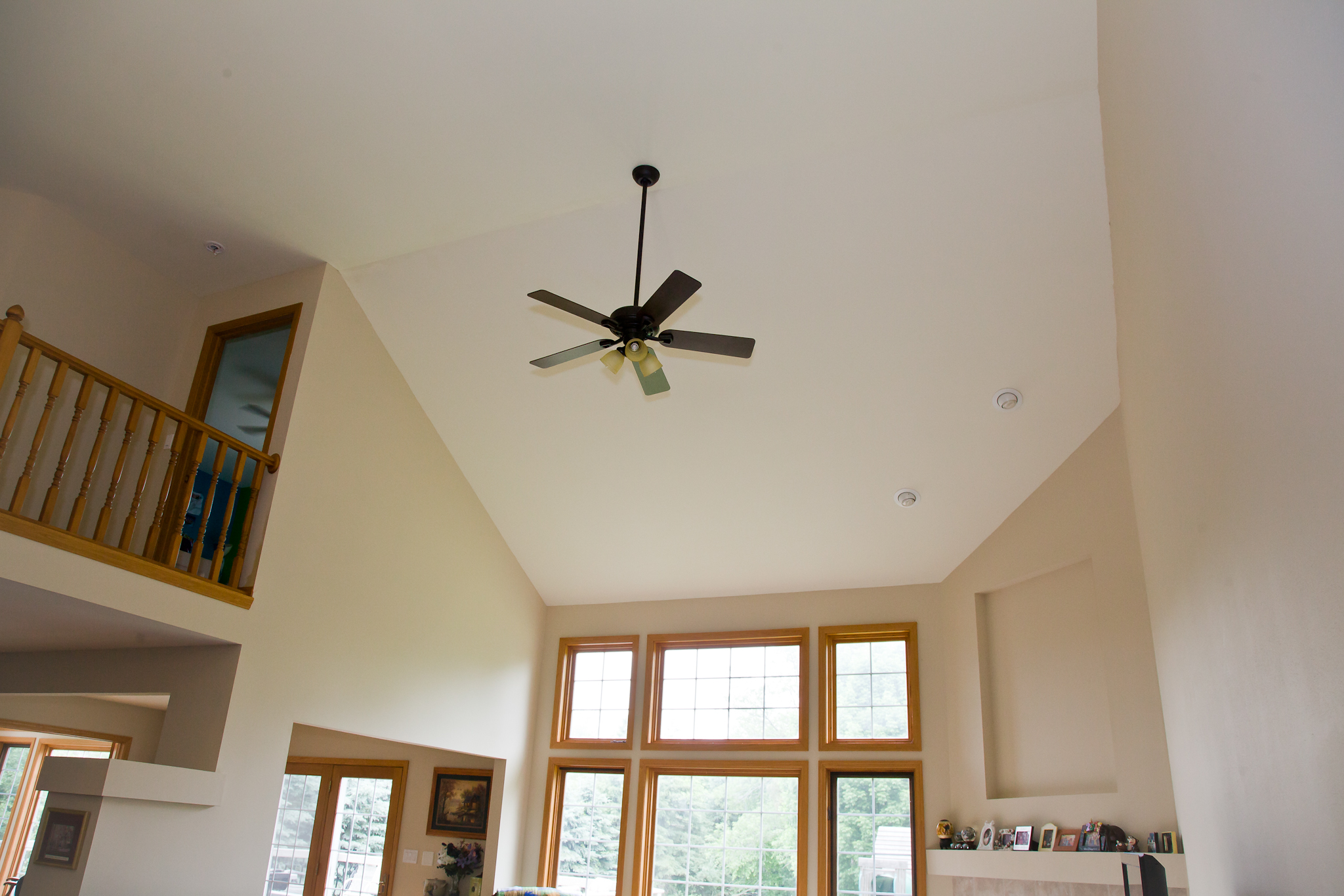 Ceiling fan in vaulted livingroom home remodeling Living room ceiling fan ideas